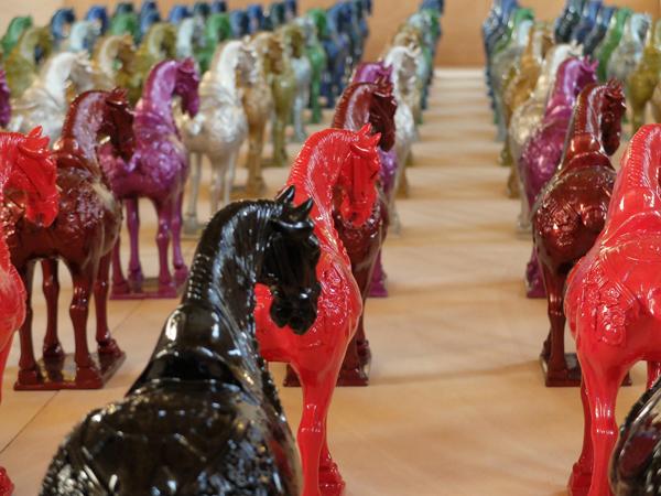 Ai-Weiwei-Horses-2004-porcellana-e-vernice-per-auto-